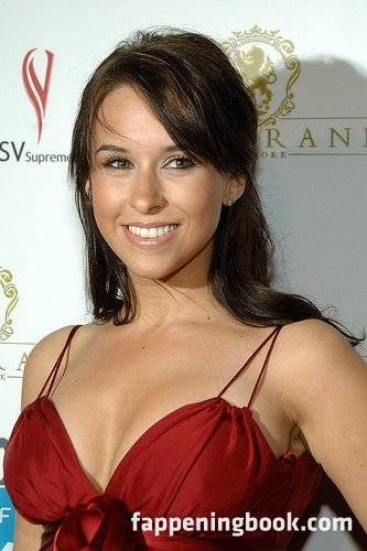 Lacey Chabert Nude, Sexy, The Fappening, Uncensored - Photo #321820 - FappeningBook