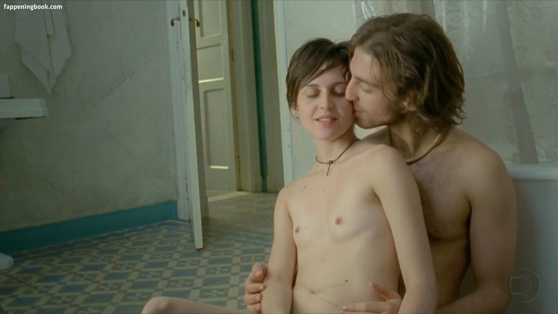 Meredith Snaider  nackt