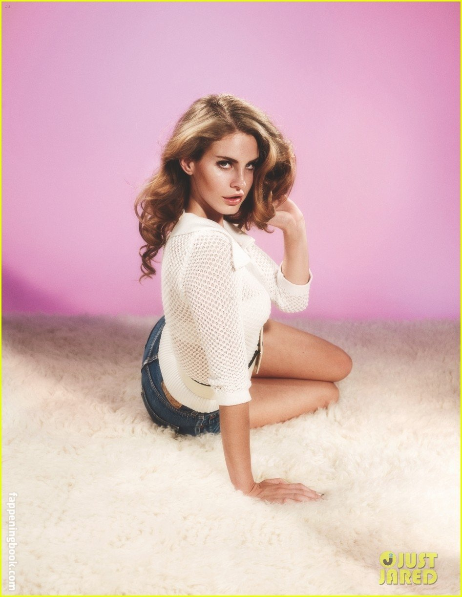 51 Nude Pictures Of Lana Del Rey Will Leave You Panting