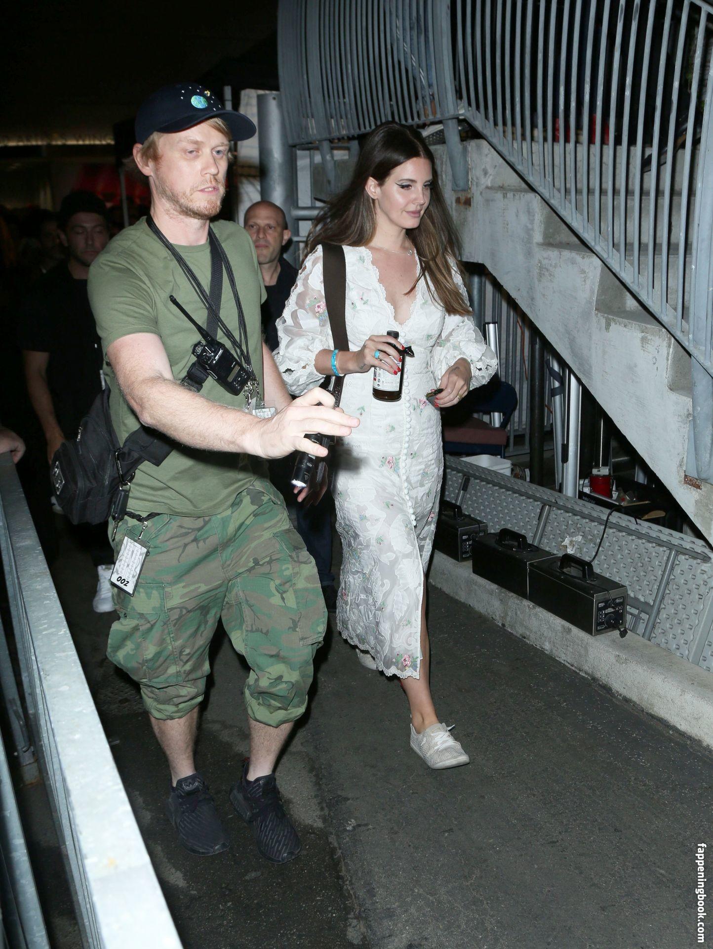 Lana Del Rey Los Angeles Los Angeles Celebrity Beautiful