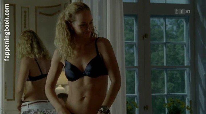 Lara Joy Koerner Nude, Sexy, The Fappening, Uncensored