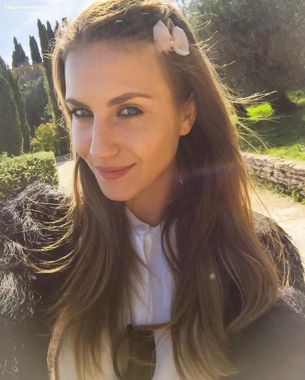 Jacqueline  nackt Mariella 41 Hot