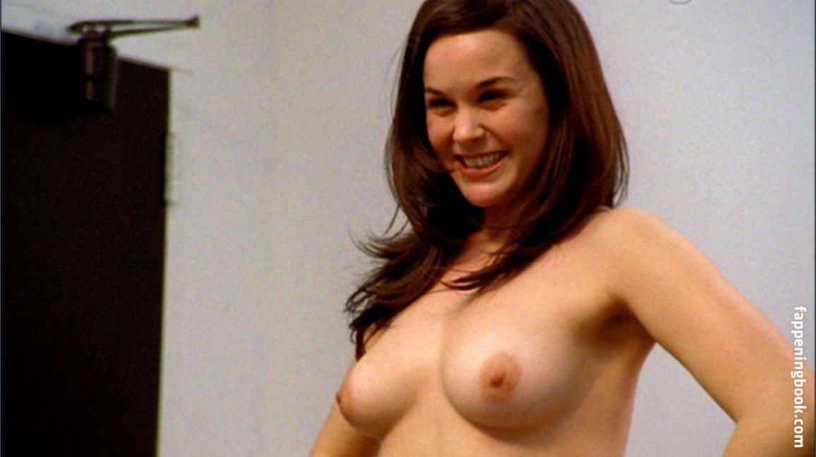 Lynne Moody  nackt
