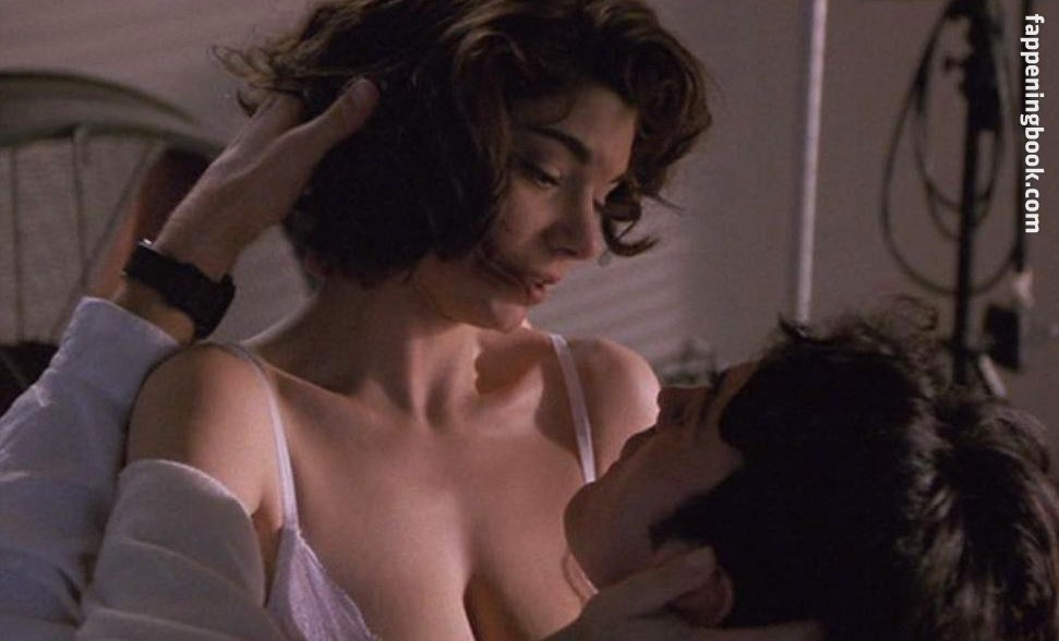 Lauren San Giacomo Nude