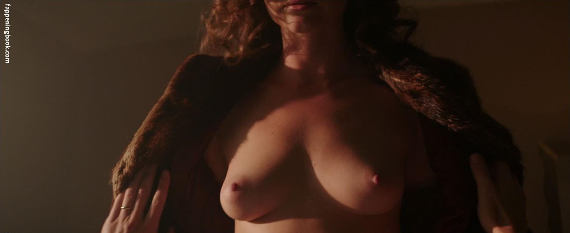 Nackt Linda Marlowe  Wild Teen