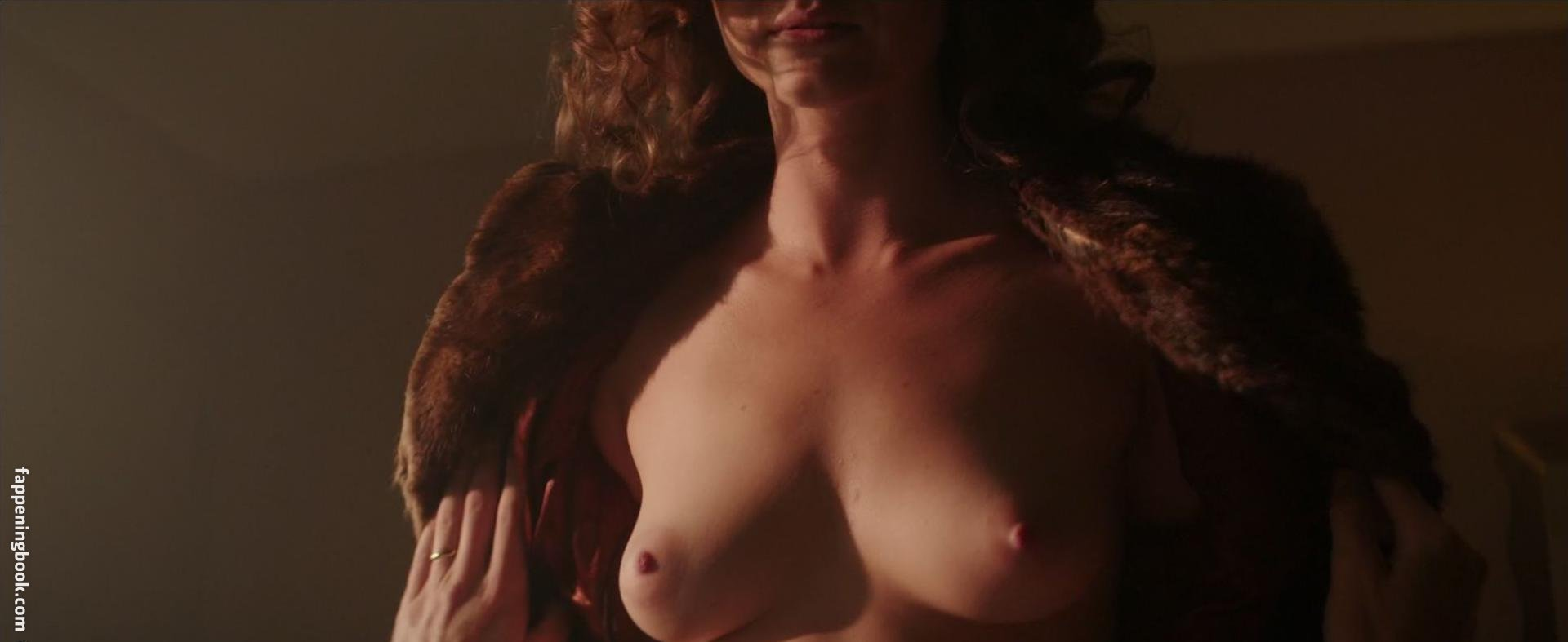 Linda Marlowe  nackt