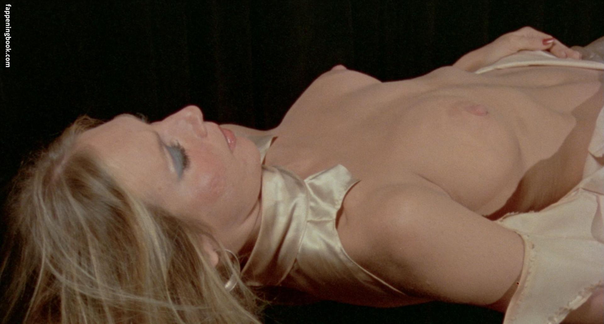 Laurie Gross  nackt