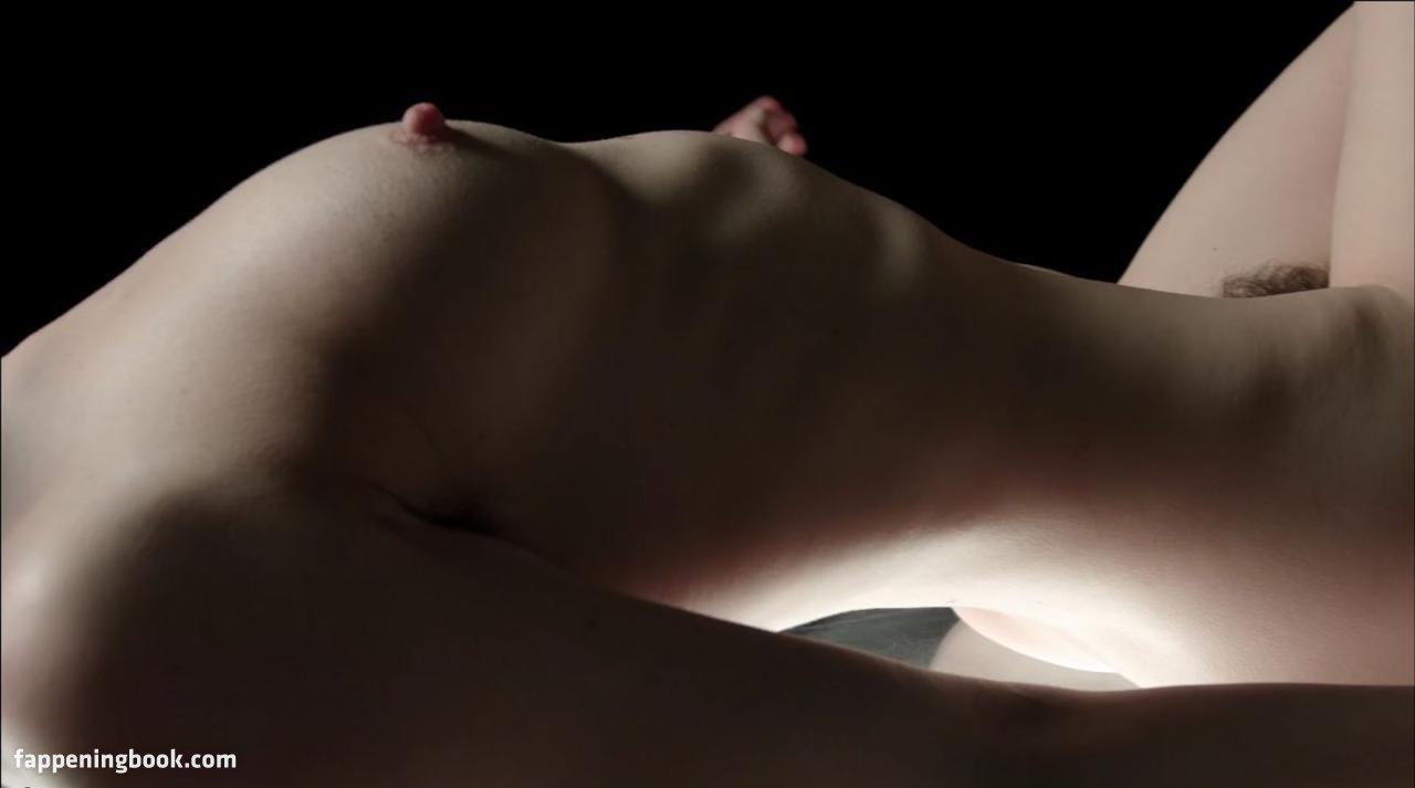 Leanne Macomber Nude