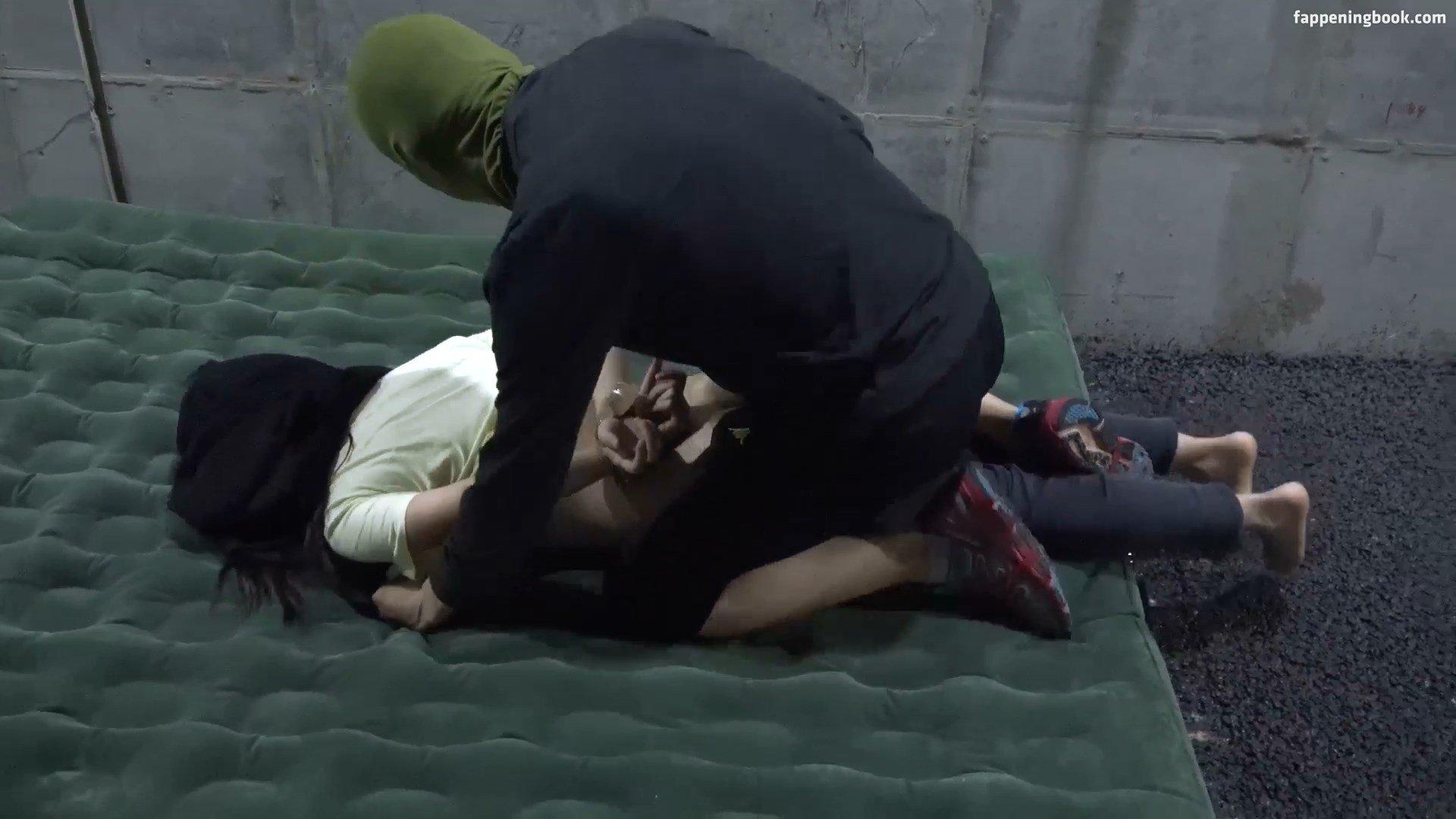 Yoo-rin nackt Lee  Lee Yoo