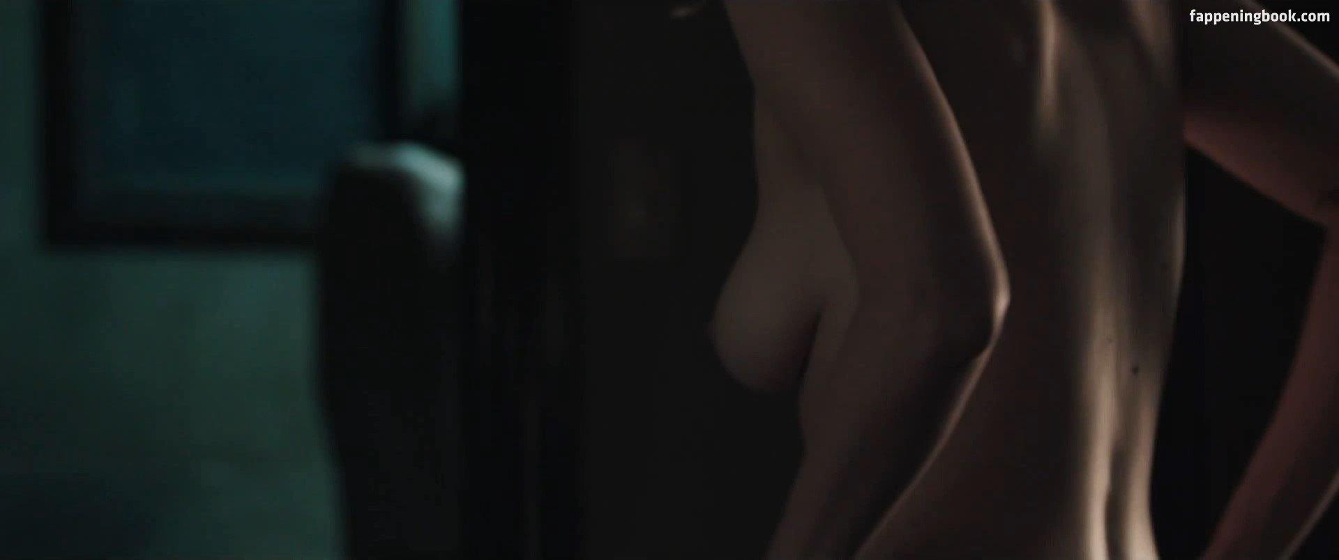 Walsman  nackt Leeanna [BOOM] Movie