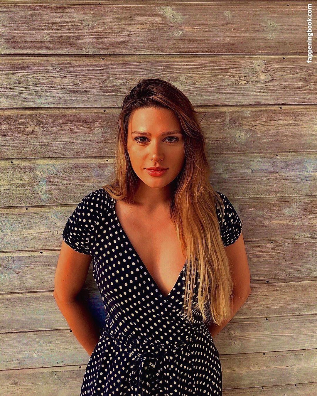 Lena Bednarska Nude, Sexy, The Fappening, Uncensored