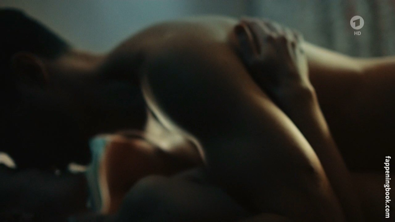 Nackt Lilly Menke  41 Hot