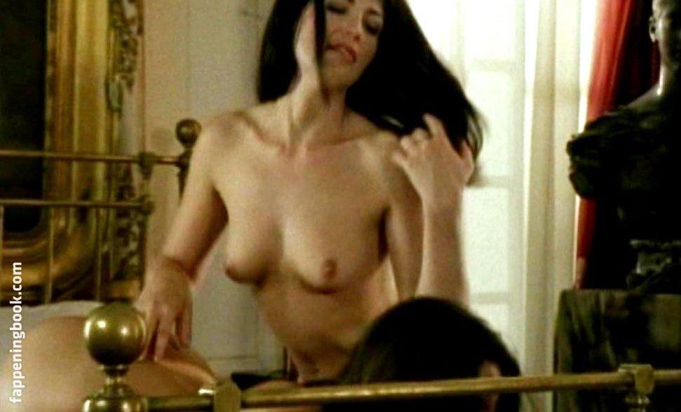 Linda Paris  nackt
