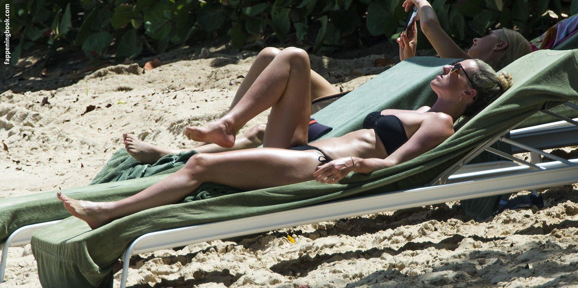 Lisa Carrick Nude