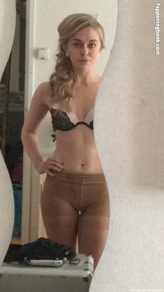 Jessica Huxtable nackt Rachel   Rachel Huxtable