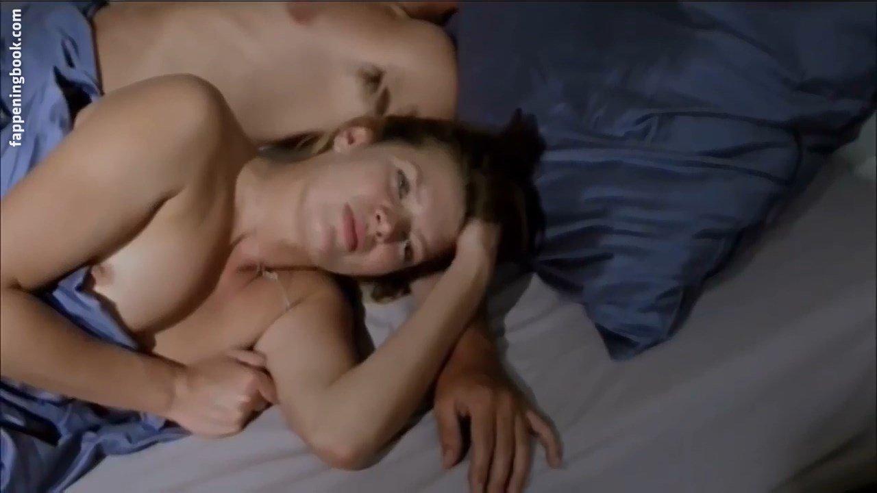 Parkinson nackt Lauren  Scarlett Byrne