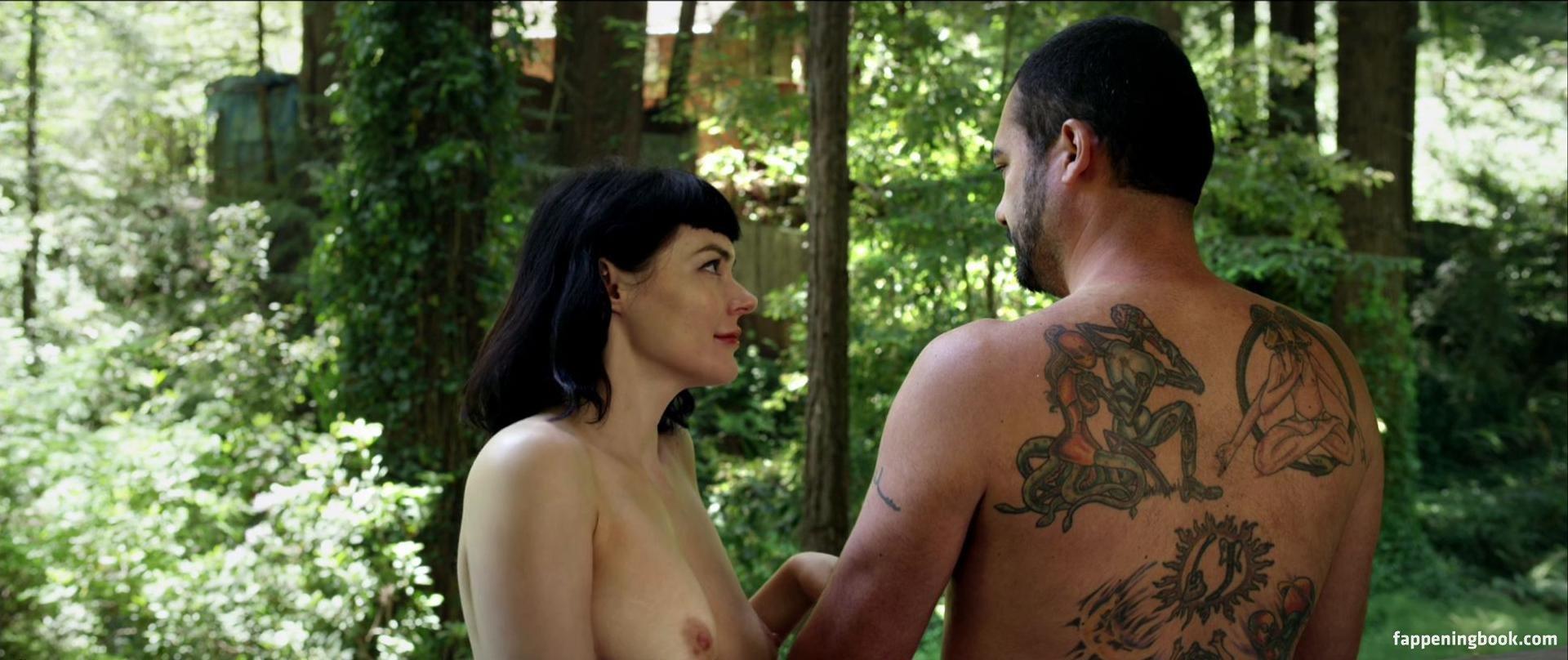 Liz Clare Nude