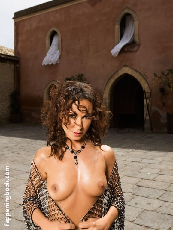 Michelle Nunes  nackt