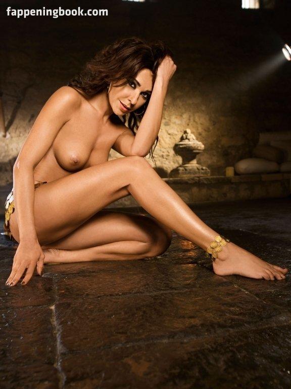 Nackt  Jennifer Cooper Shione Cooper