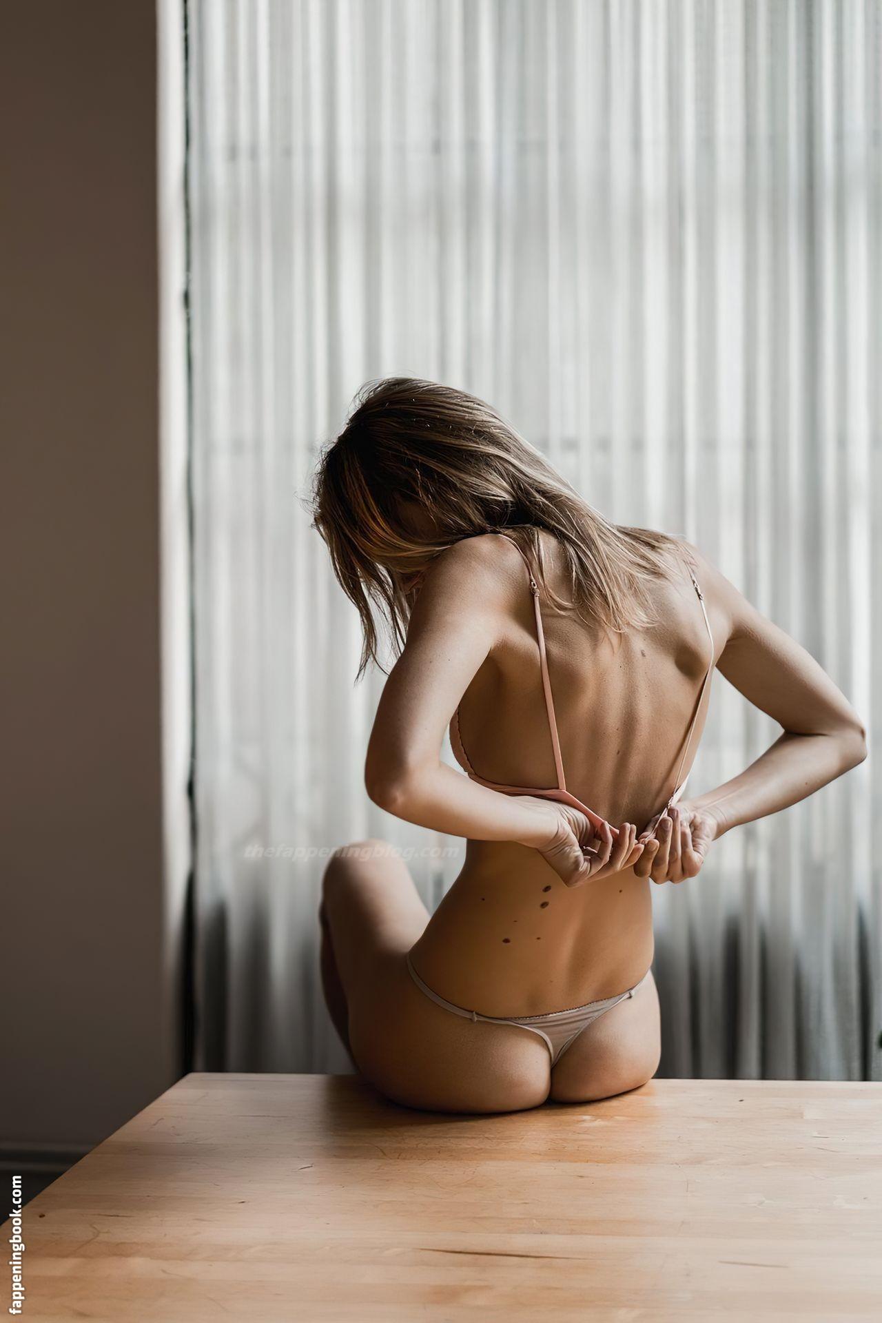 Nackt Lize Römer  Evgeniya Gromova