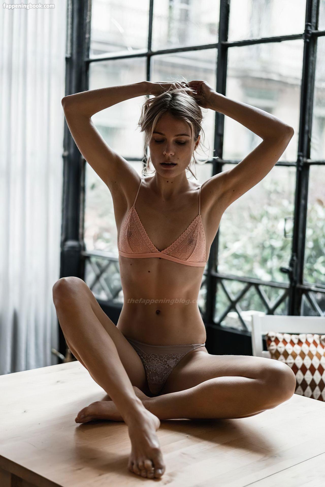 Nackt  Lize Römer Alicia Arden