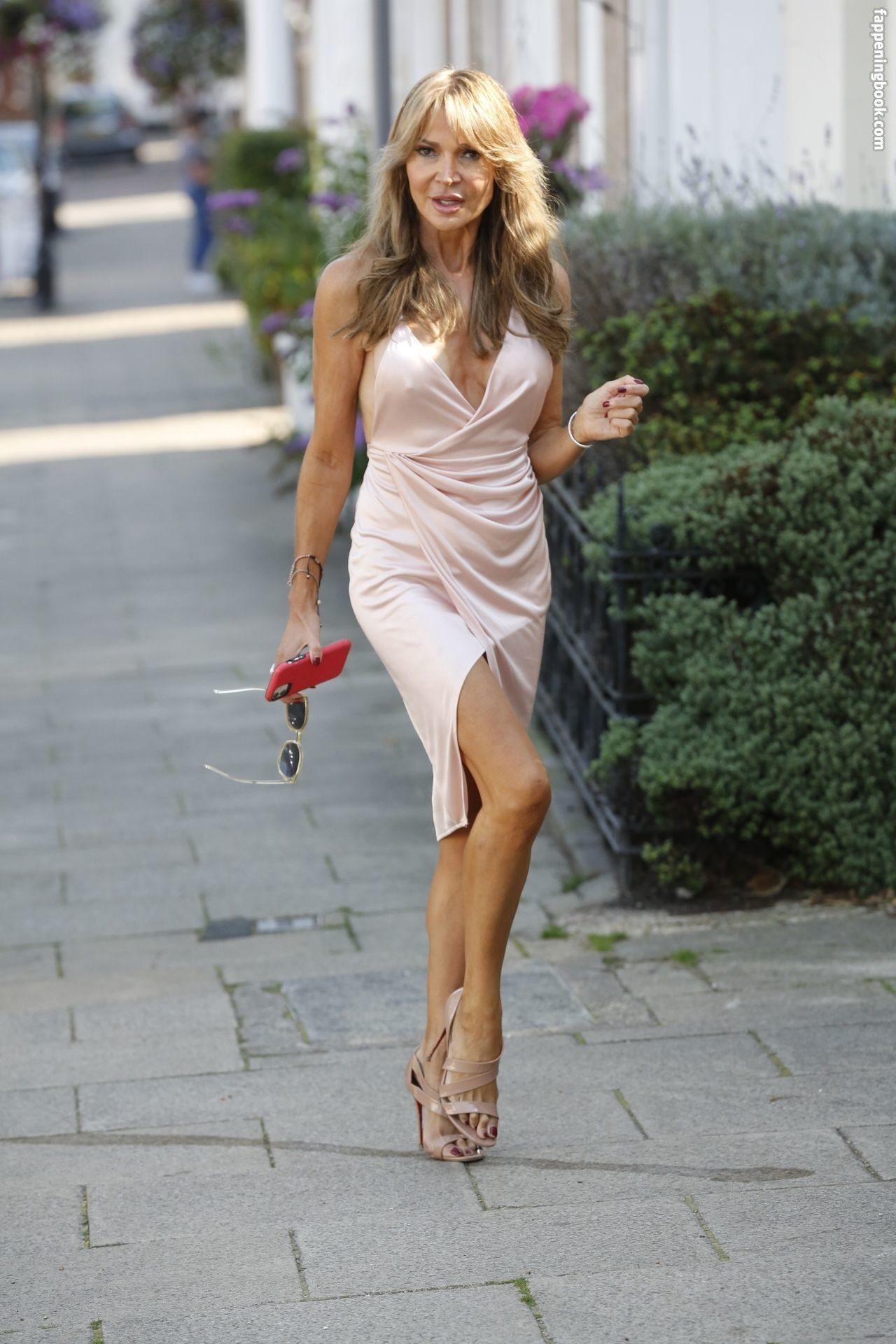 Lizzie Cundy Nude