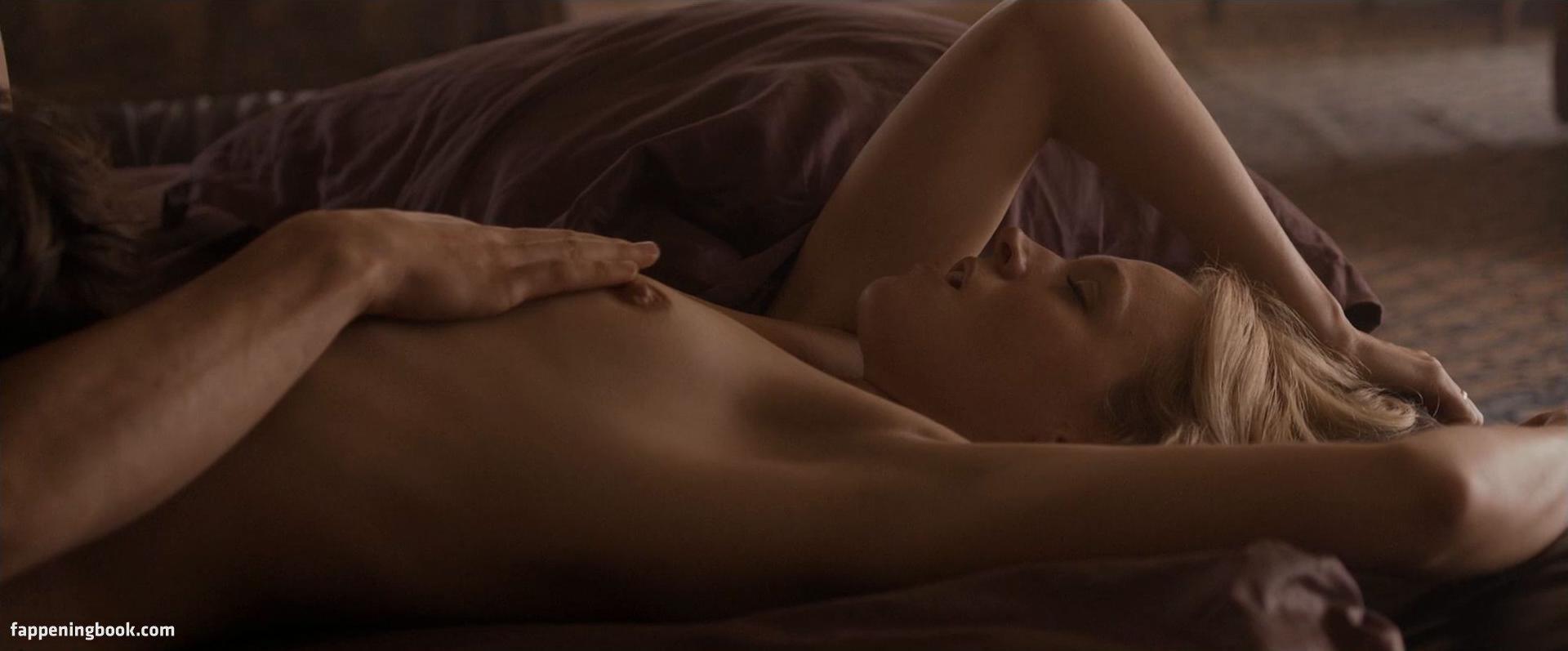Mattah Parker  nackt