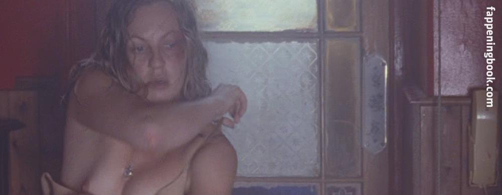 Theresa Huebchen  nackt