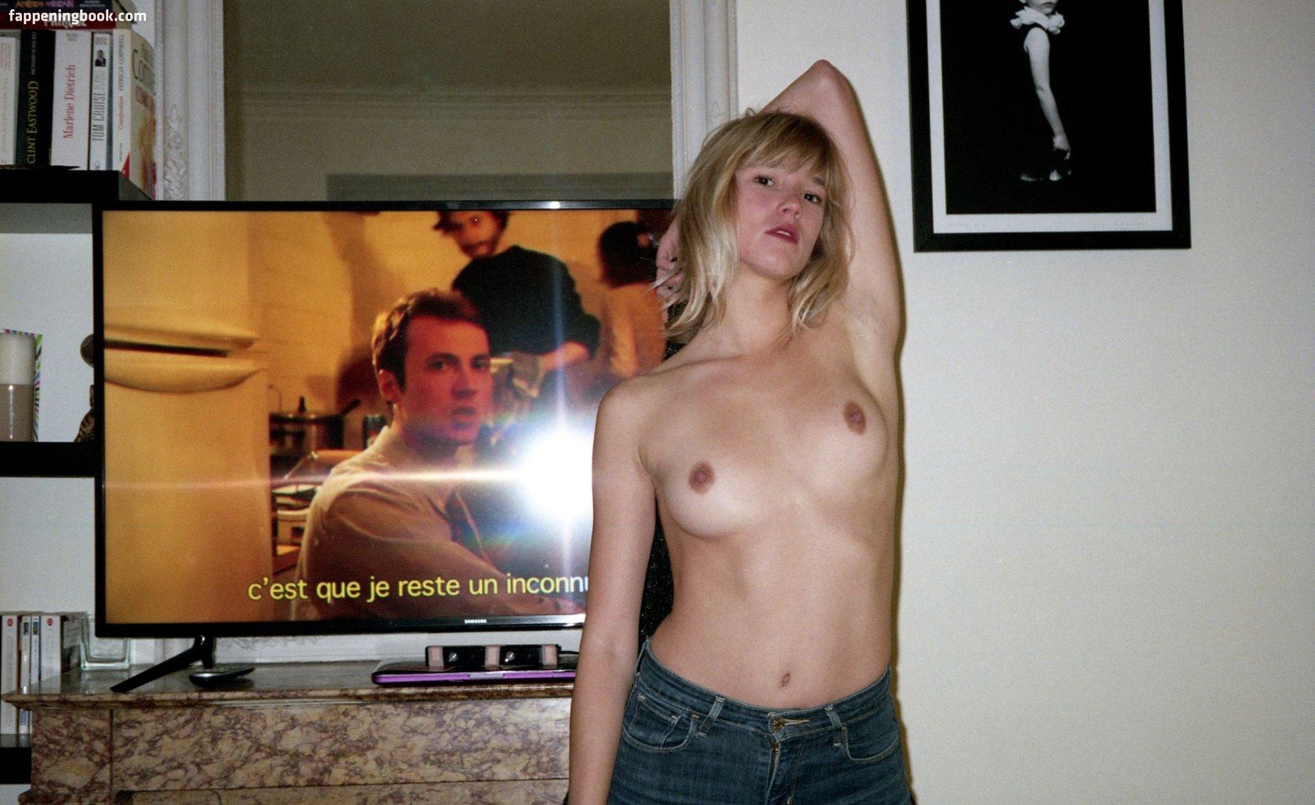 Louise Ropagnol Nude