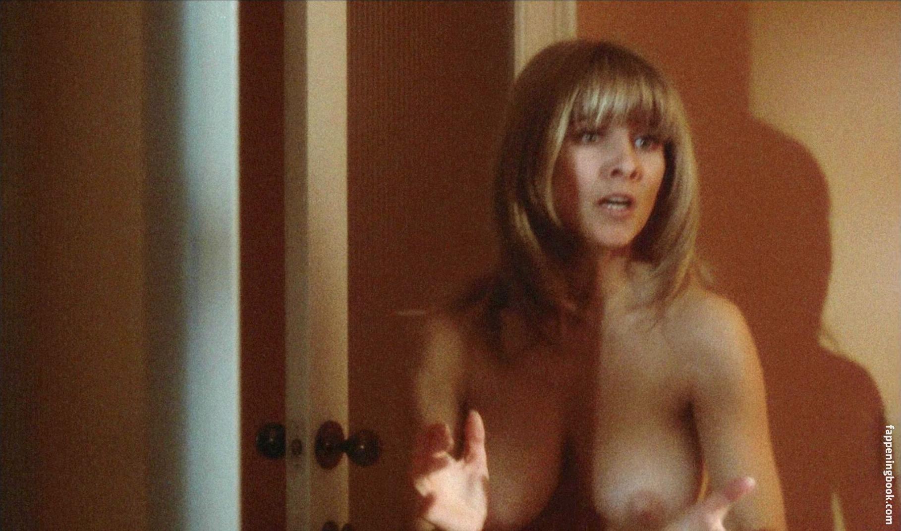 Luan Peters Nude