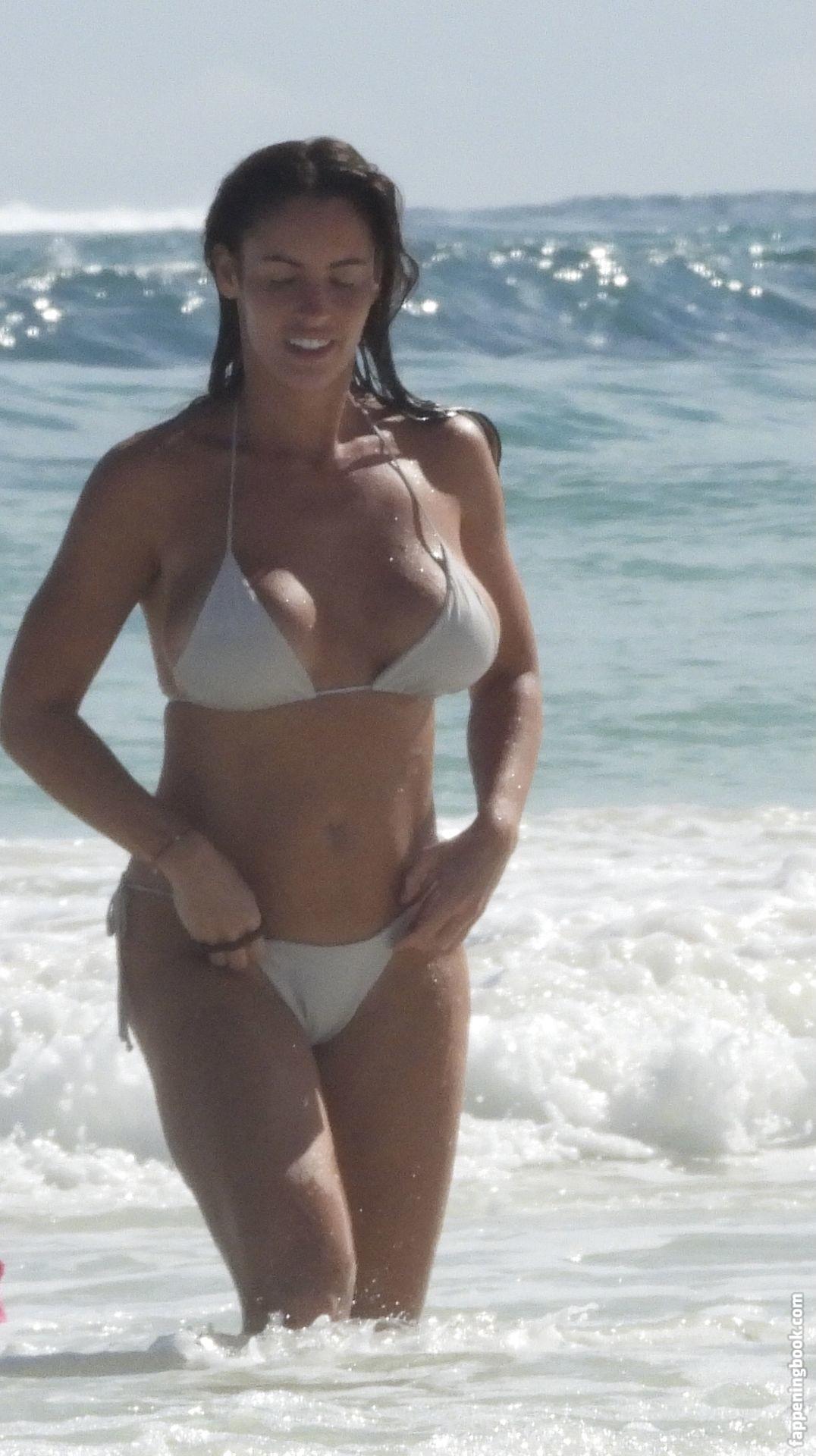Tits Emily Lucia Nude Gif