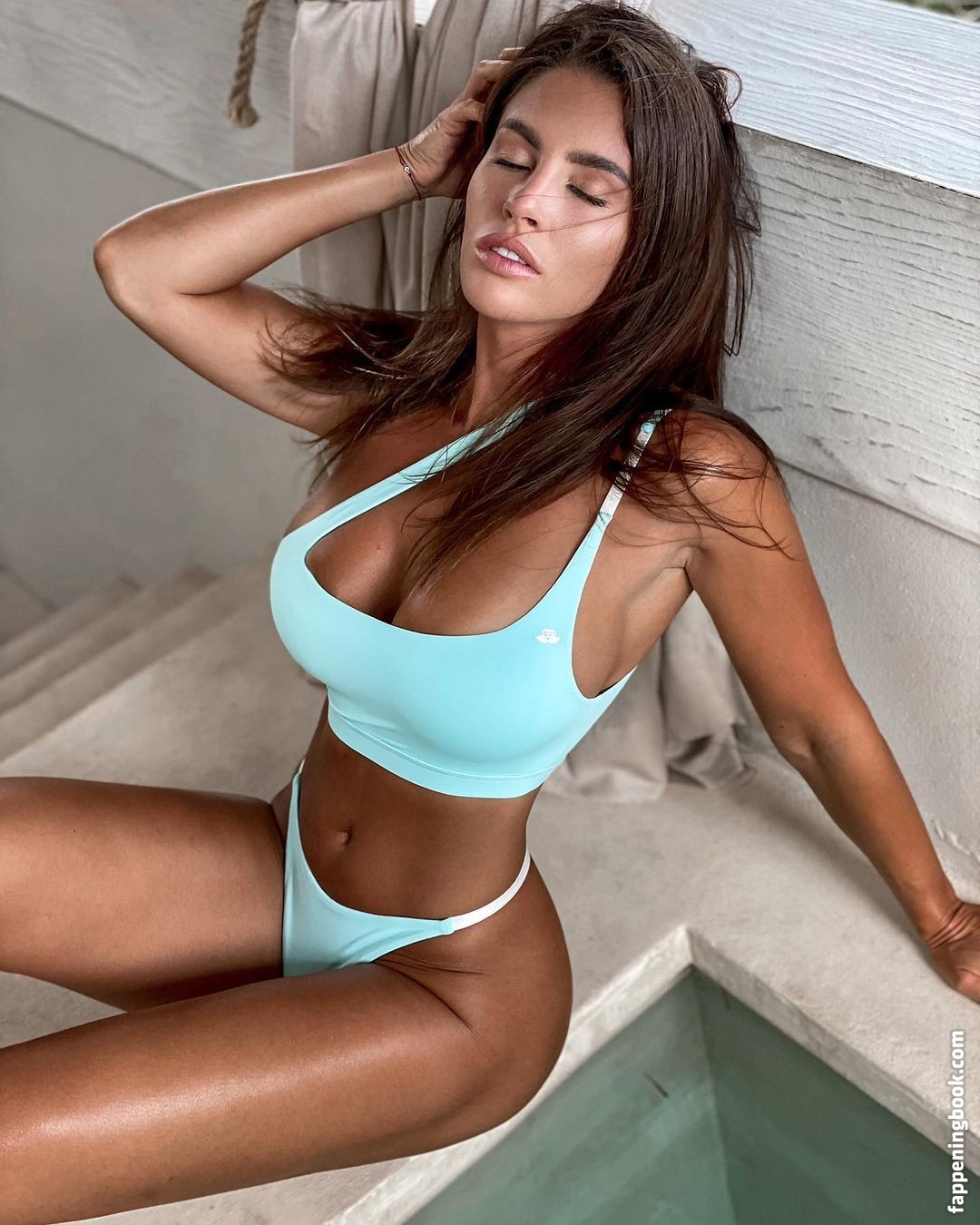 Superstar Emily Lucia Nude Images