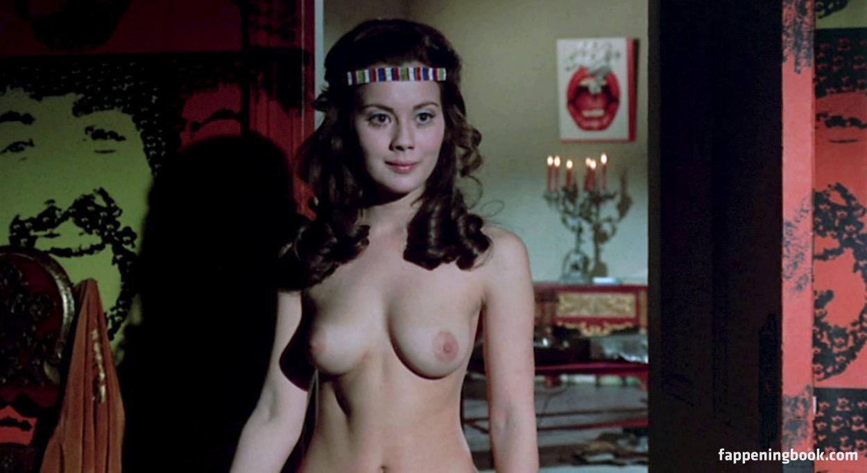 Lyn Yeldham  nackt