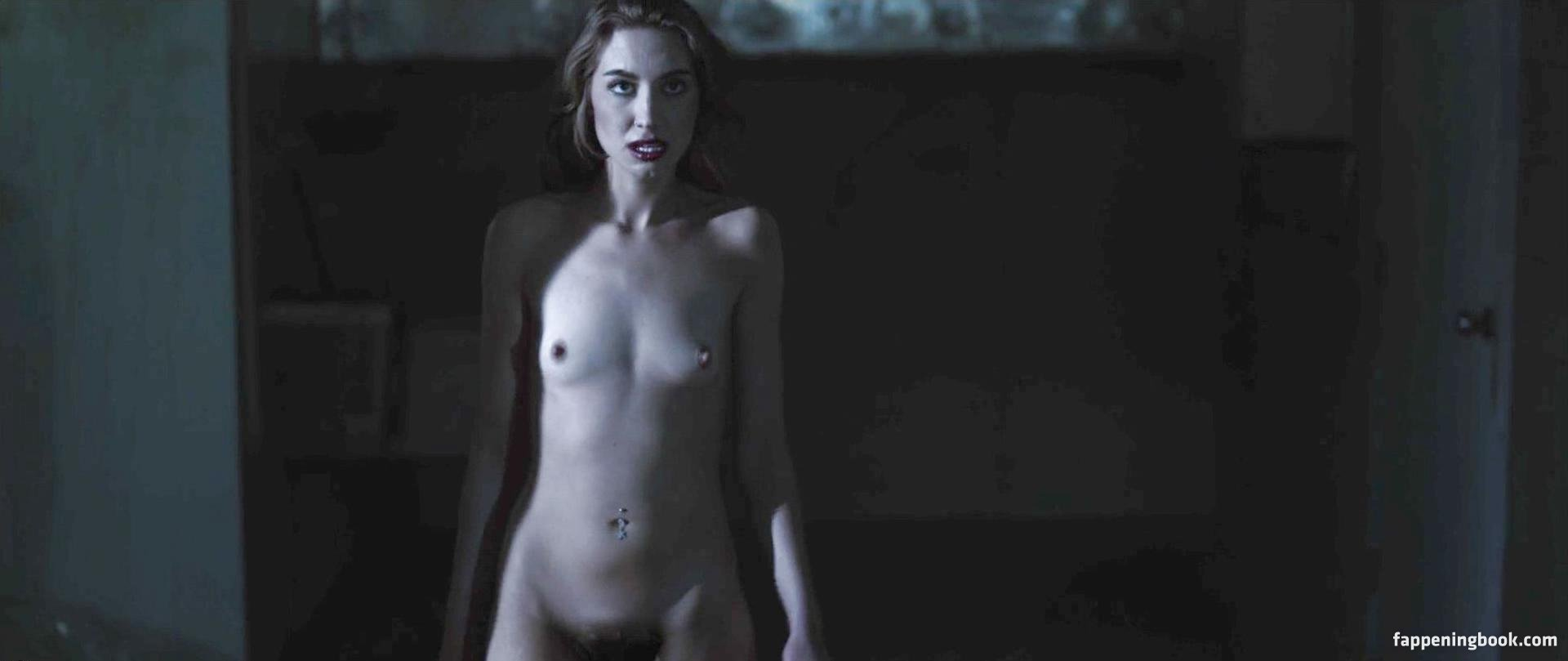 Madison Crocker  nackt