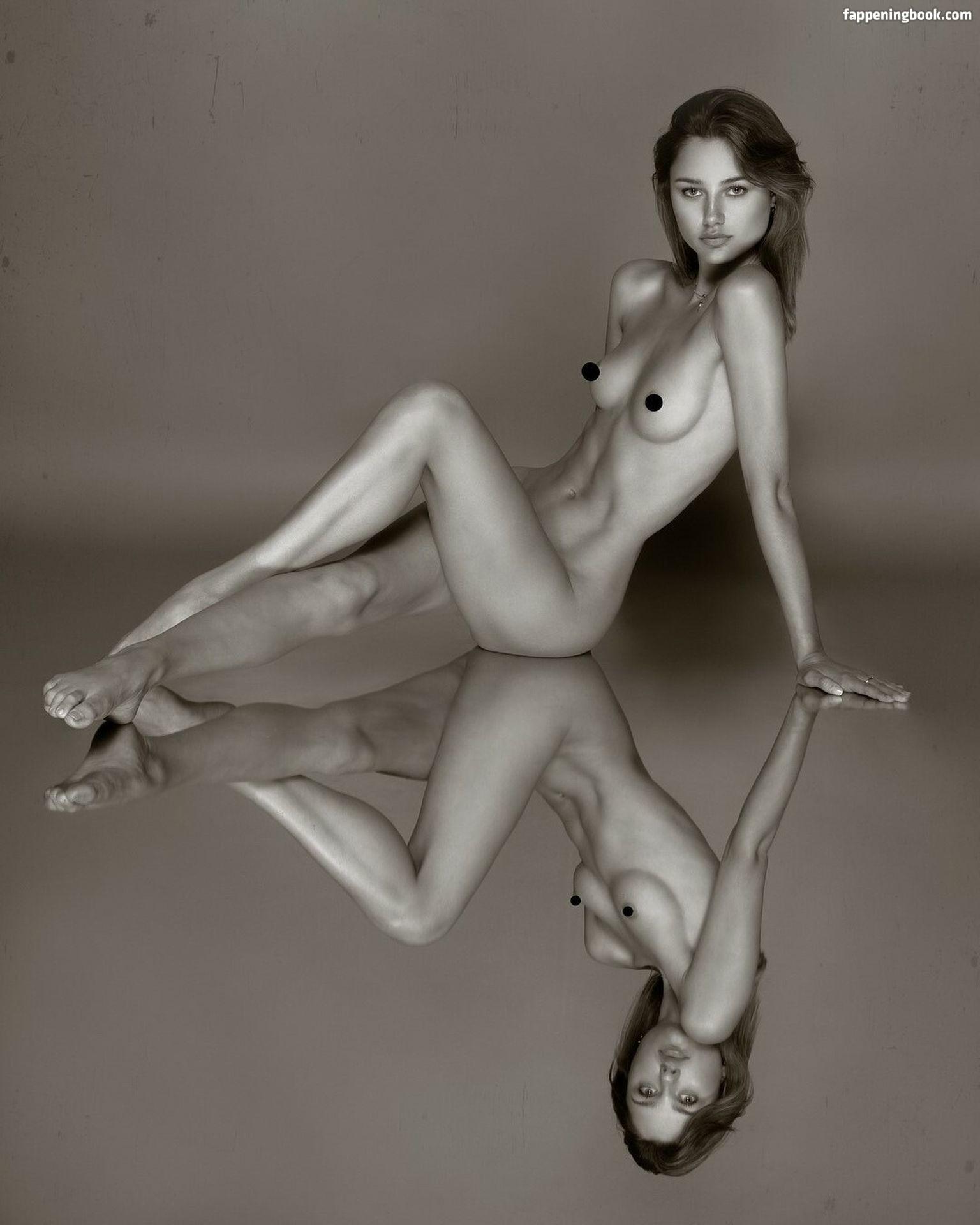 Hannah Palmer Sexy Hot Photos - Page 2 - FappeningBook  nackt