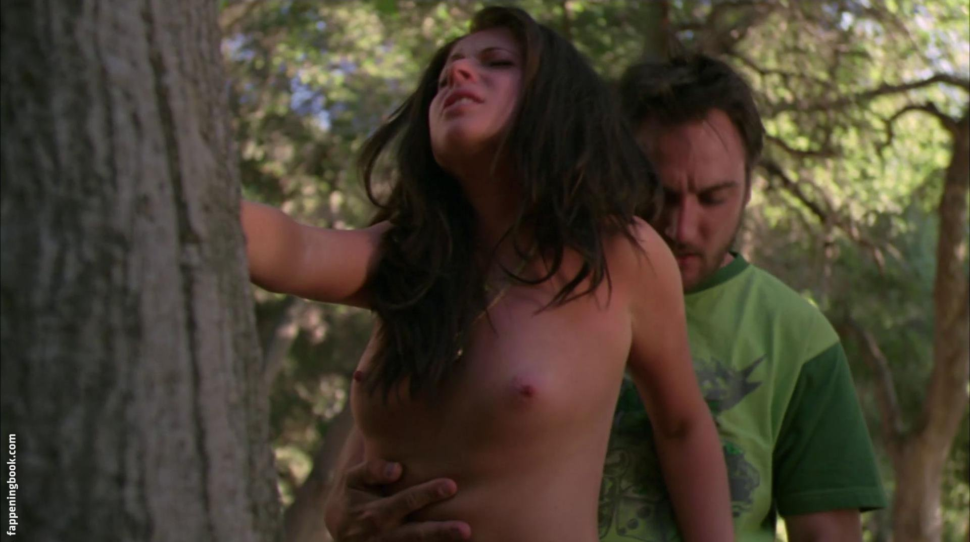Malea Richardson  nackt