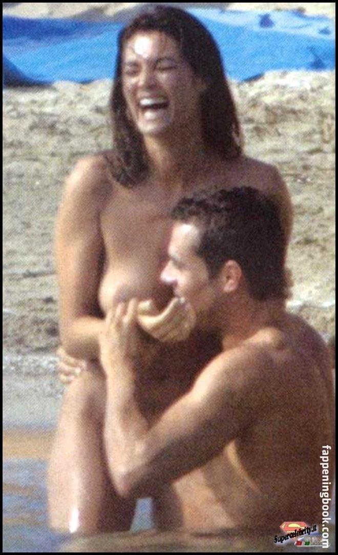 Manuela Arcuri  nackt