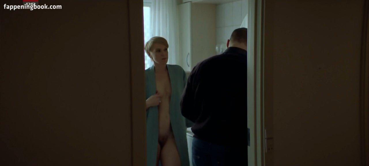 Tia nackt  Brooke Silcox Film prize