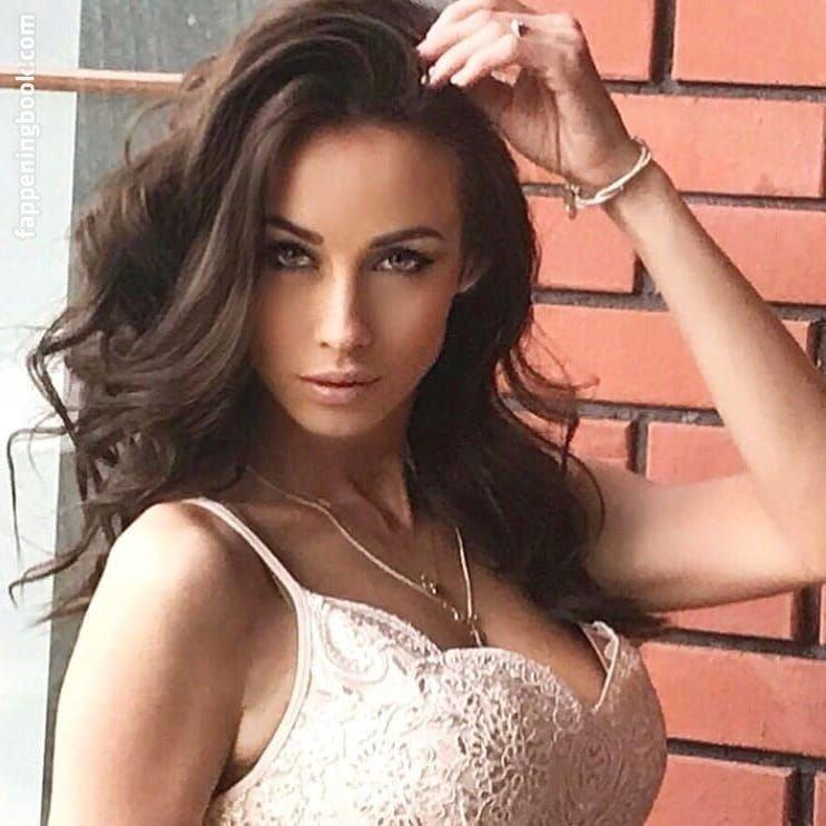 Tabak nackt Mariya  Hot Photo