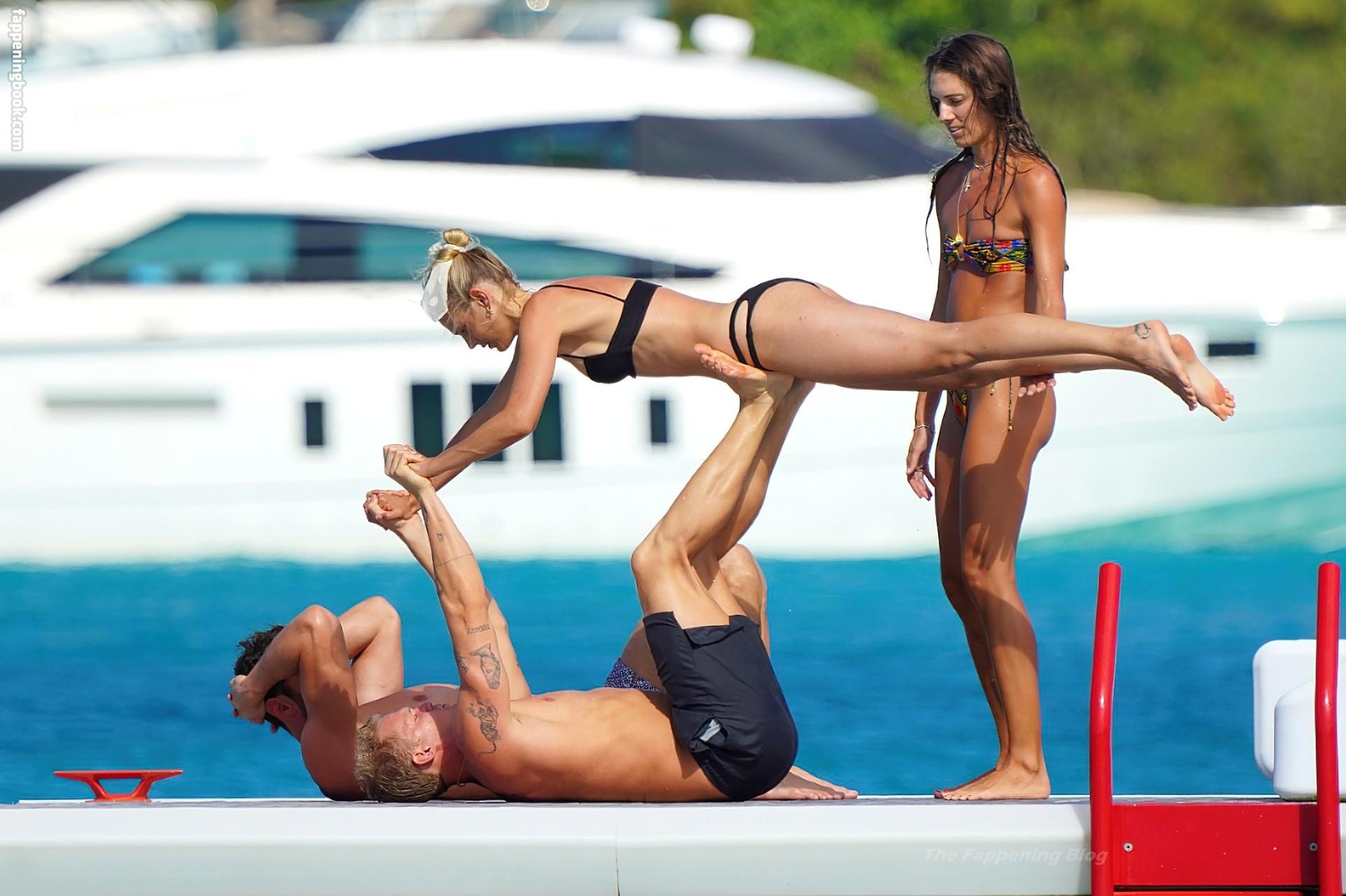 Marloes nackt Stevens Cody Simpson