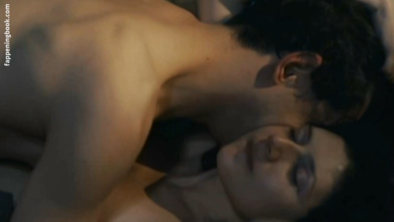 Martha Issova Nude
