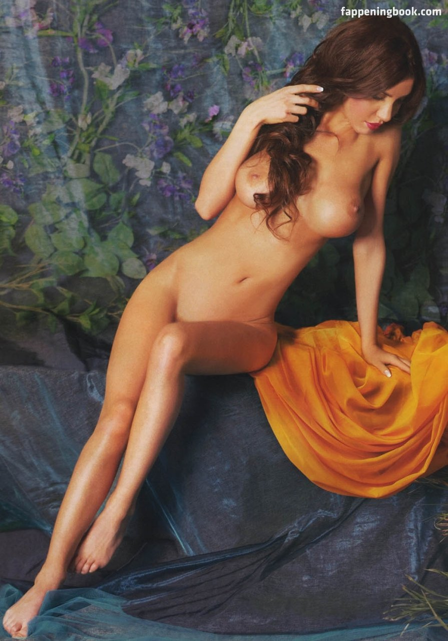 Masha Malinovskaya Nude