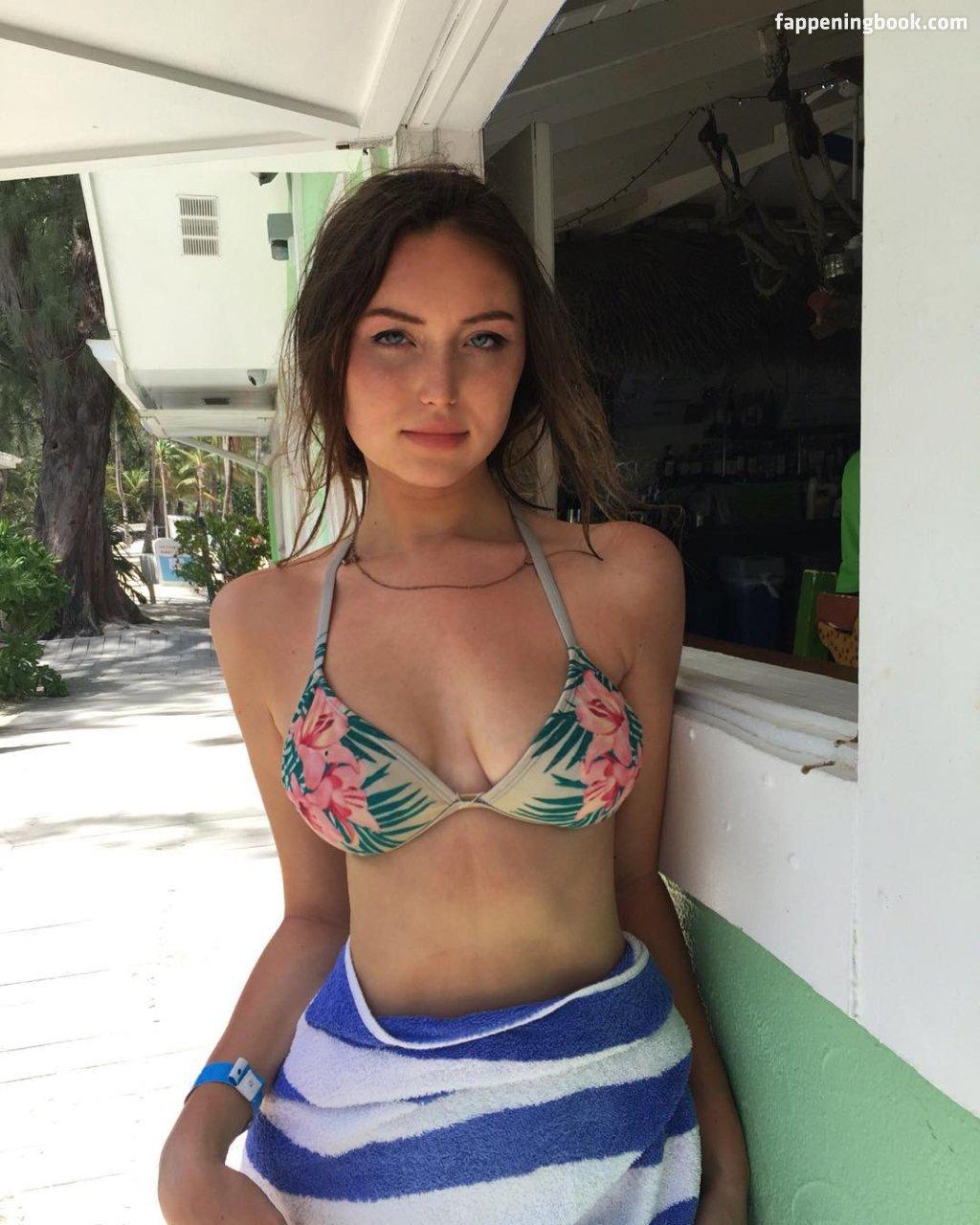 Frey  nackt Megan Megan Frey