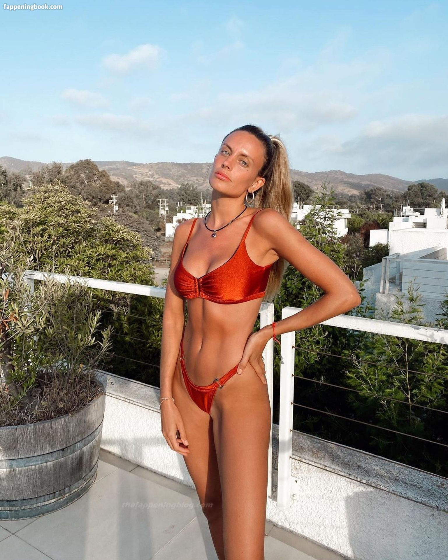 Celeb Melina Lopez Nude Pics