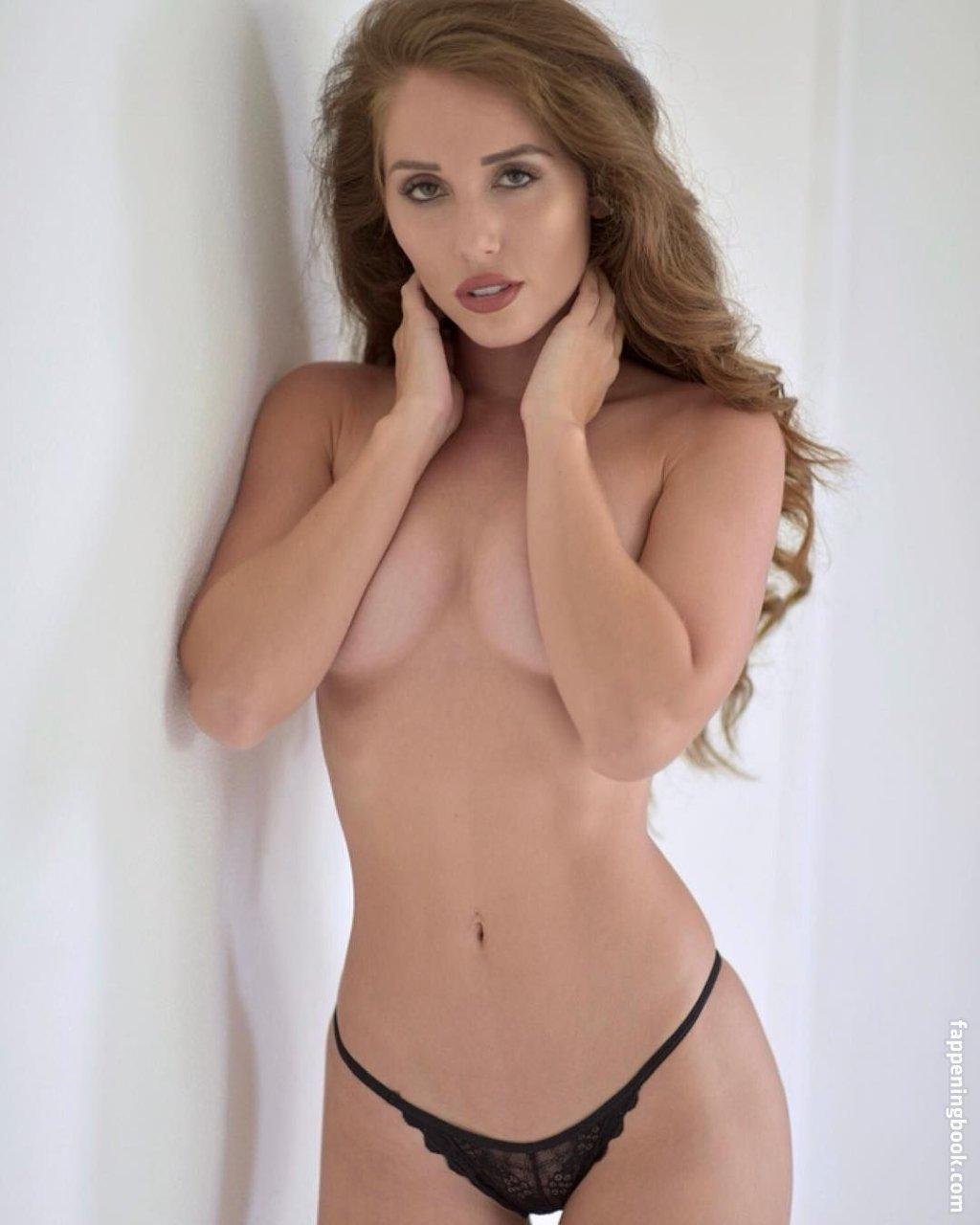 Lori nude melissa Playboy Cybergirl