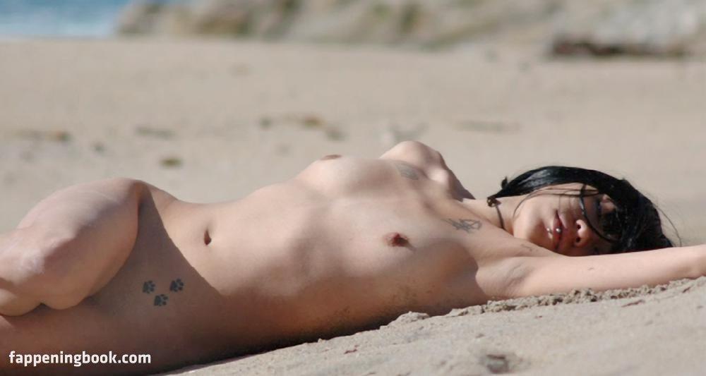 Mercedes Nude