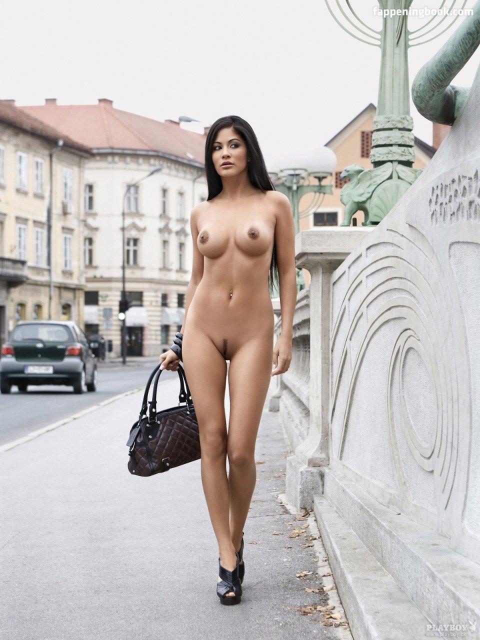 Makovkin  nackt Summer Artist Profile