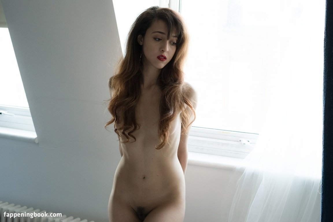 Mia Liberum Nude