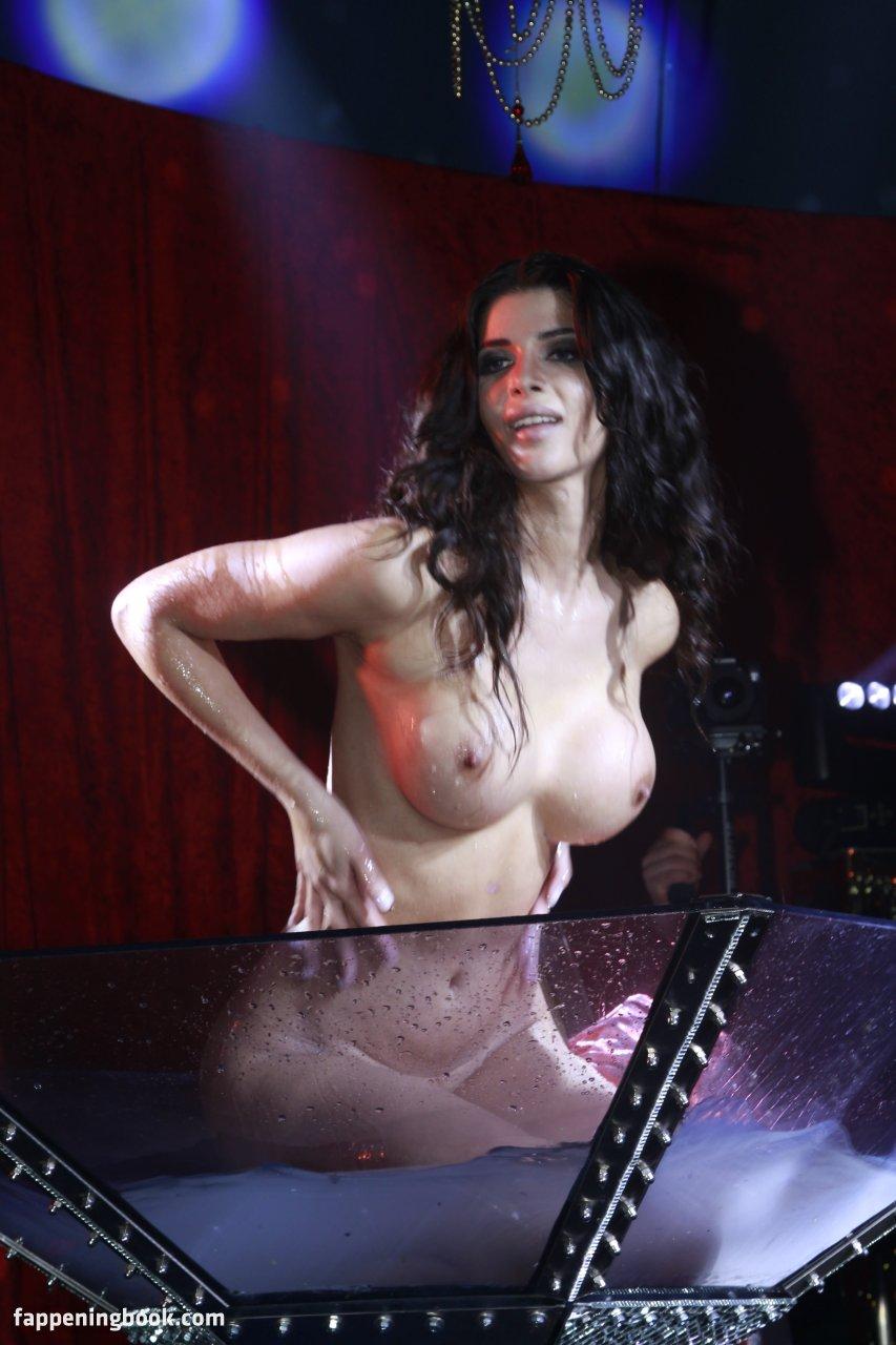 Nackt  Christina Grance 26+ Top