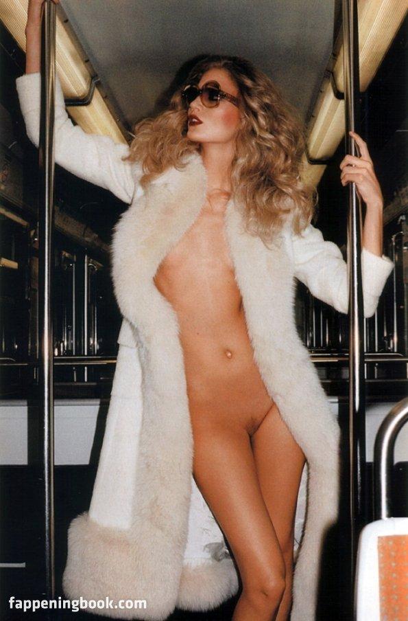 Sasha Mallory  nackt